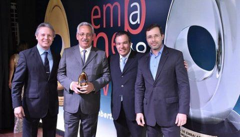 Congraf Embalagens é consagrada como EMPRESA DO ANO no Prêmio Embanews 2016 Empresa referência em embalagens recebeu o troféu mais importante da premiação além de outros nove troféus nas categorias
